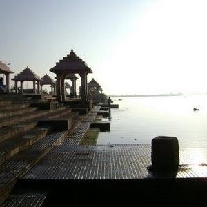 Sarasvati meeting the sea